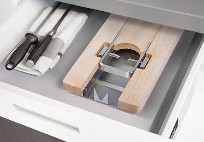Lojamonero S plié, dans un tiroir de cuisine